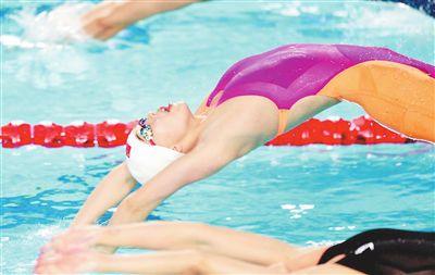 50米仰泳南昌姑娘万乐天挑银